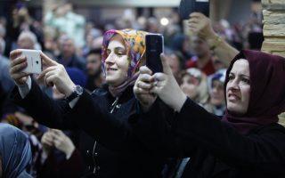 on-historic-trip-turkey-amp-8217-s-erdogan-meets-muslims-in-greece
