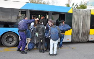 over-4-000-migrants-transferred-from-islands-to-mainland-since-late-november0