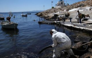 tanker-leak-could-infect-food-chain-wwf-warns