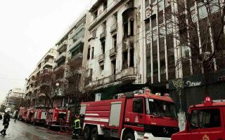 fire-in-patission-street-building-brought-under-control-no-injuries