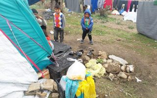 fresh-warnings-as-migrants-face-daunting-winter-on-islands