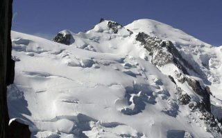 avalanche-kills-snowboarder-in-northern-greece