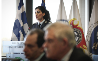 police-to-replace-private-security-on-athens-metro