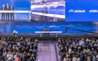 greek-carrier-aegean-signs-5-billion-order-for-airbus-a320-neo-planes0