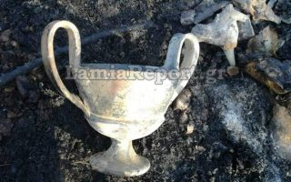 firemen-recover-antiquities-in-phthiotida
