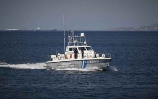 greek-coast-guards-nab-suspected-migrant-smuggler-in-aegean