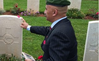 paying-homage-to-wwii-anzac-casualties-on-crete