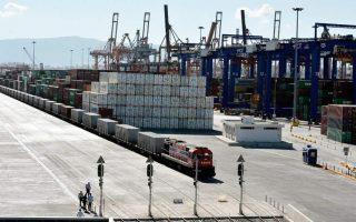 piraeus-port-blockade-draws-china-complaint