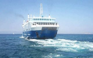 ferry-rams-into-port-of-skiathos-suffers-small-hull-breach