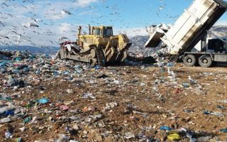 garbage-piling-up-on-streets-due-to-landfill-fears