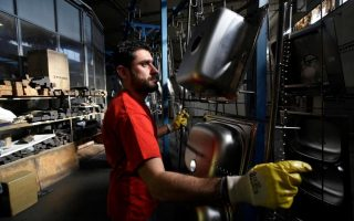 greek-manufacturing-growth-up-in-may-job-growth-near-record