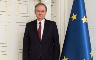 eu-ambassador-to-turkey-visits-greek-soldiers-detained-in-edirne