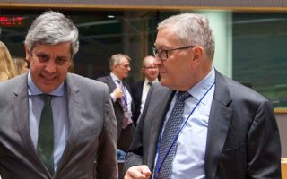 euro-officials-reject-moscovici-amp-8217-s-flexibility
