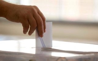 conservatives-maintain-8-pct-lead-over-ruling-syriza