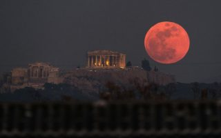 blood-moon-to-dominate-night-sky-in-longest-lunar-eclipse-of-21st-century