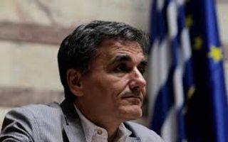 italy-volatility-has-made-it-harder-for-greece-to-sell-bonds-tsakalotos-says