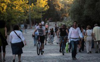 athens-pedestrian-promenade-rid-of-garbage-bins