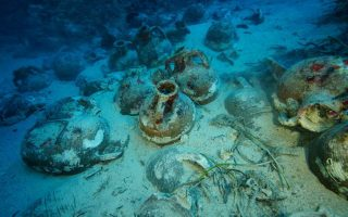 more-ancient-wrecks-pottery-found-in-greek-ships-graveyard
