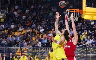 reds-survive-aris-scare-to-stay-joint-top
