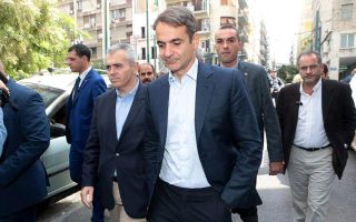 nd-chief-visits-omonia-police-station-vows-to-fight-crime