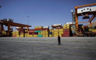 more-containers-moving-through-piraeus