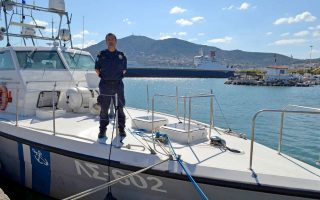 statue-to-be-erected-in-honor-of-late-coast-guard-officer-on-lesvos