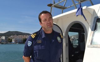 greek-officer-who-rescued-migrants-mourned