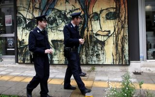 police-patrols-to-be-stepped-up-in-greek-cities