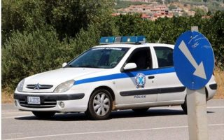 twelve-migrants-driver-rescued-from-burning-vehicle-in-northern-greece