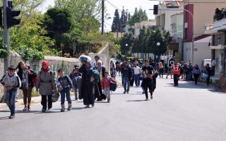 chios-parents-oppose-refugee-kids-at-school