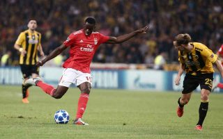 aek-suffers-in-the-hands-of-benfica