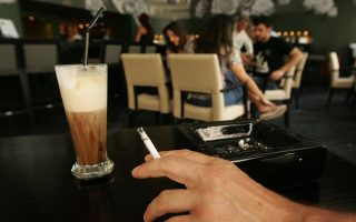 fewer-young-greeks-smoking-data-shows