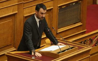gov-t-plans-to-legislate-right-for-greeks-abroad-to-vote