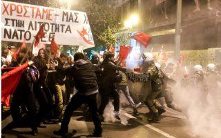 greek-police-use-tear-gas-against-anti-merkel-protesters