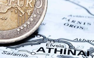 greece-raises-2-5-bln-euros-from-5-yr-bond-attracts-strong-demand