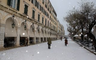 corfu-island-also-gets-a-dusting-of-snow0