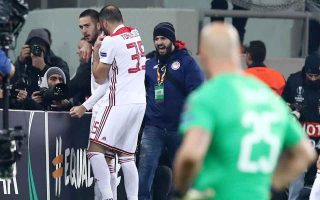 olympiakos-fined-for-pitch-invasion-against-milan