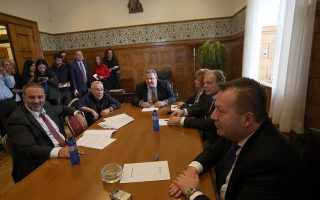 kammenos-backs-down-from-threat-to-quit-coalition