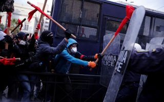 greek-teachers-clash-with-police-for-second-time-in-a-week