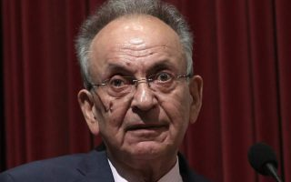 former-parliament-speaker-dimitris-sioufas-75-dies