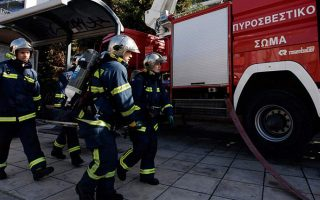 emergency-services-rescue-8-in-two-athens-apartment-fires