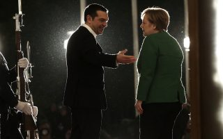 tsipras-merkel-meet-in-athens