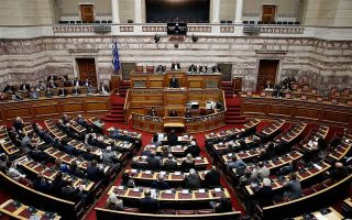 tsipras-mulls-taking-independent-mps-into-syriza-fold