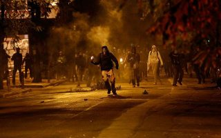 police-come-under-barrage-of-attacks-in-exarchia