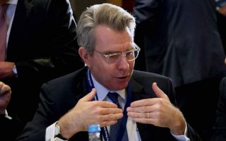 pyatt-hails-strong-participation-of-greek-firms-at-selectusa-investment-summit