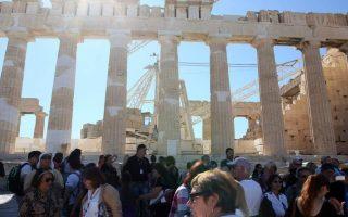 acropolis-hill-closes-as-temperatures-climb0