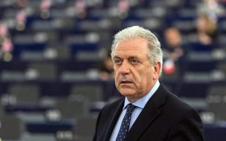 avramopoulos-calls-for-provisional-agreements-between-eu-states-on-rescued-migrants