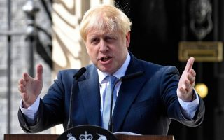 greece-amp-8217-s-varvitsiotis-says-johnson-could-prompt-no-deal-brexit