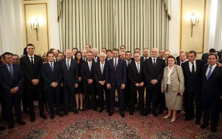 greece-s-new-conservative-cabinet-is-sworn-in