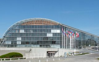 eib-supports-women-and-young-people-at-work0